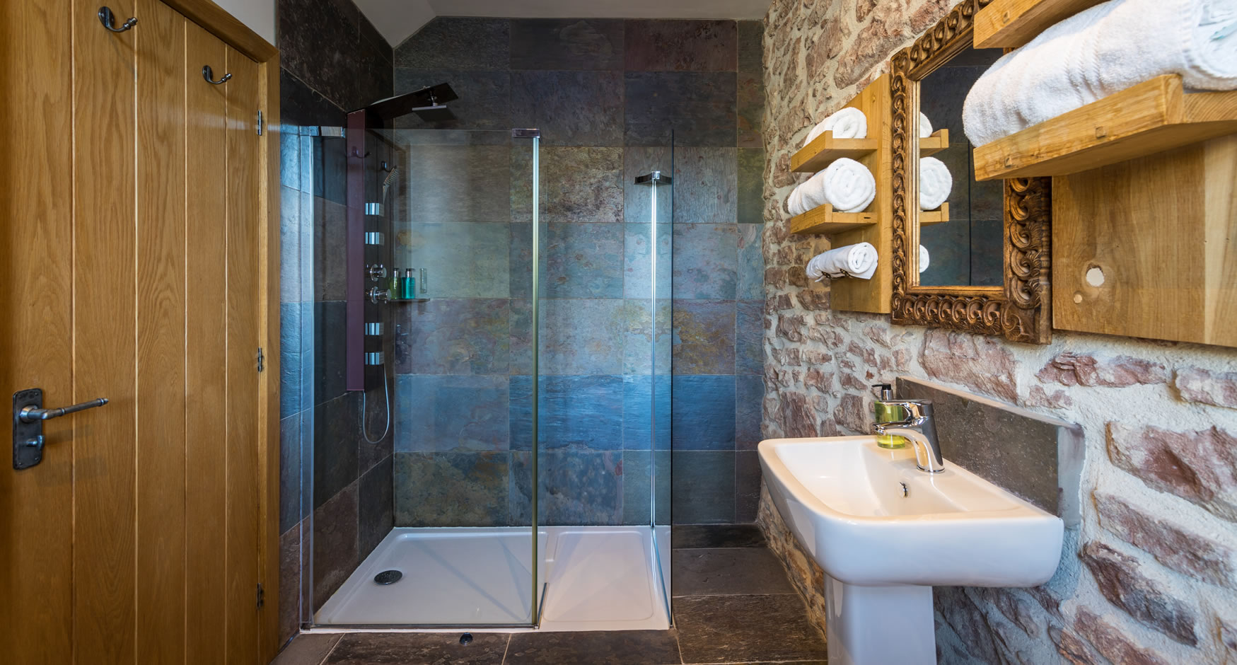 Superior King En-suite Bathroom